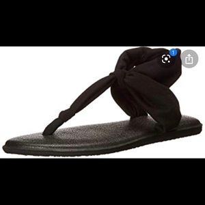 Sanuk yoga sandals. Prefect condition
